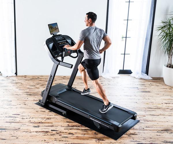 しっかりと膝が守られた状態でランニングを行うので安心して走れます。